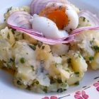Salade de pommes de terre parisienne & oeuf coulant