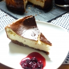 Cheesecake citron /spéculos et son coulis de fruit rouge à la sauge